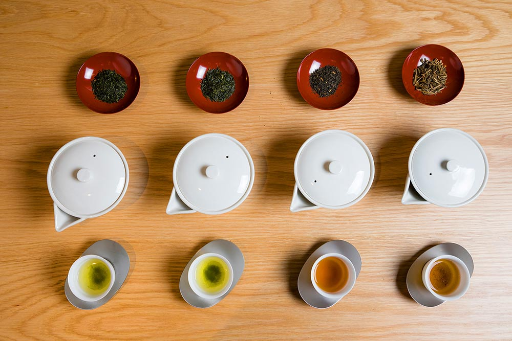 飲み比べの八女茶4種