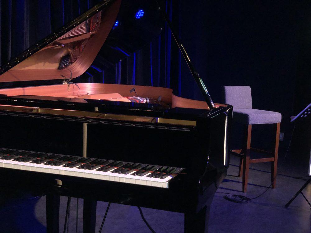 border店内ピアノ