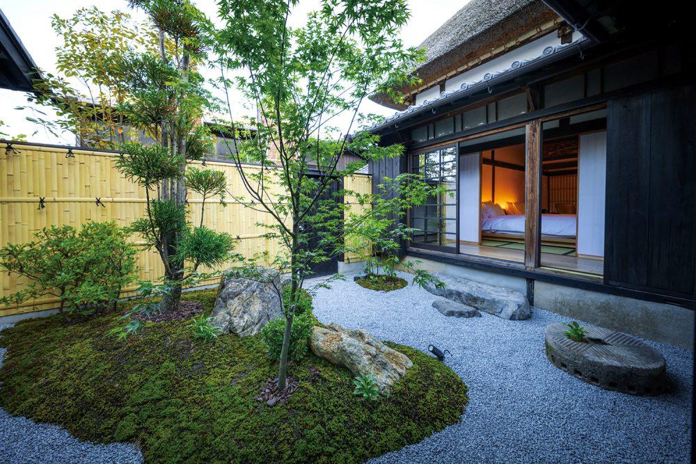 鍋島 御宿 富久千代 酒蔵 オーベルジュ 中庭