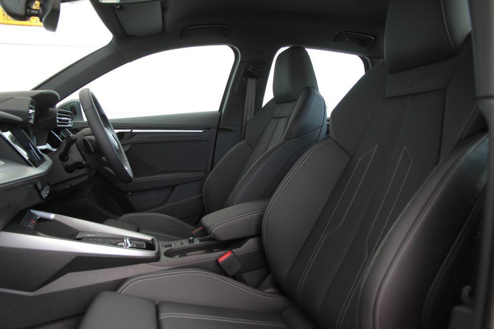 Audi A3シート